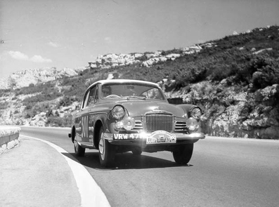 M.Handley-Page - Lola Grounds
