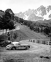 1962_008_001_David_Seigle-Morris_Coupe-des-Alpes-1962-Austin-Healey-495x600.jpg
